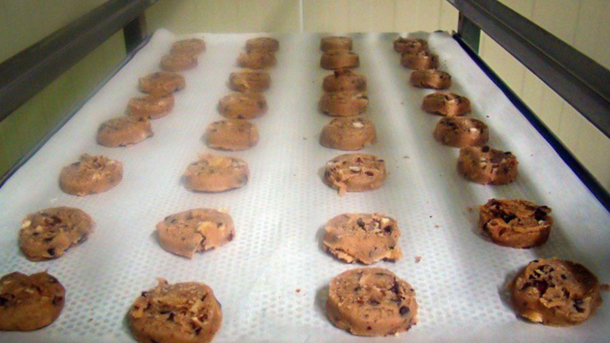 Fabrication des cookies, cuisson au four