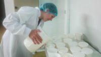 Fabrication de la crème, dosage des pots