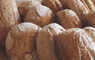 Pains bio au graines façonnés ou moulés